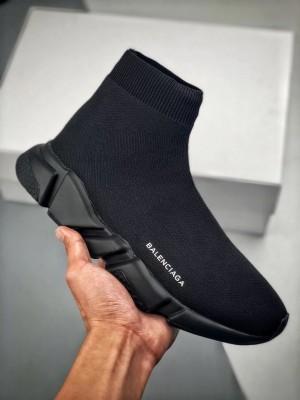 """バレンシアガ スピードトレーナー 偽物 靴 """"トリプルブラック"""""""