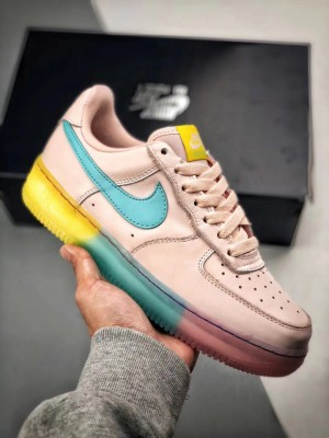 "Nike Air Force 1 ロー ""ピンクブルーイエロー"""